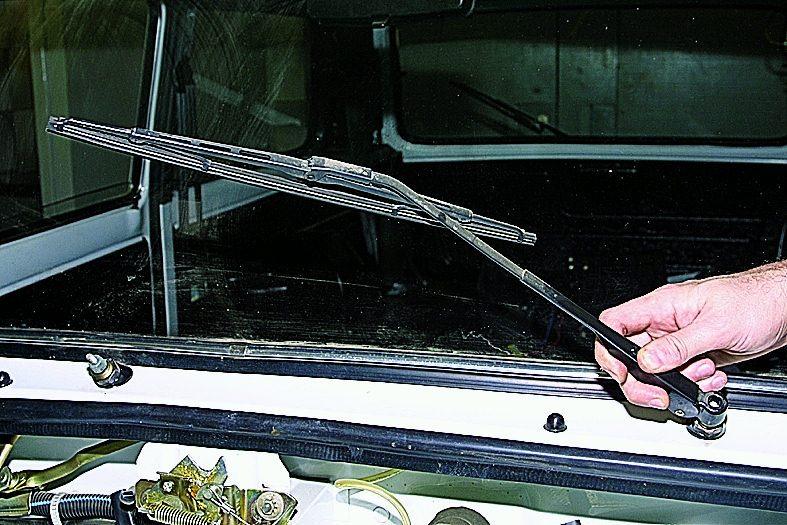 Замена лобового стекла ваз 21213